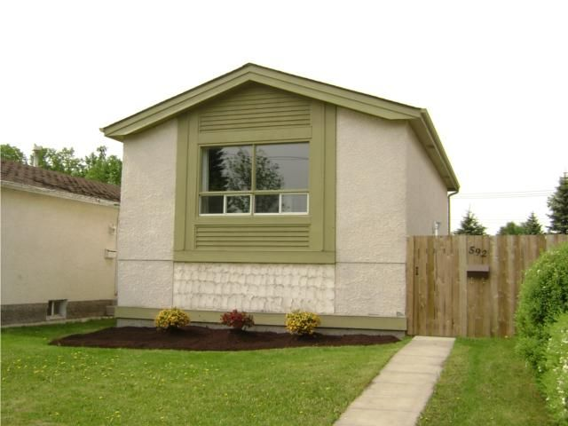 Main Photo:  in WINNIPEG: North Kildonan Residential for sale (North East Winnipeg)  : MLS®# 1009932