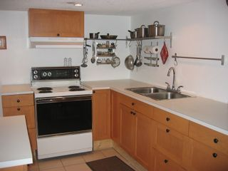 Photo 10: 1613 East 4th Avenue in Vancouver: Home for sale