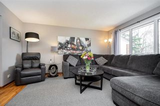 Photo 4: 67 The Bridle Path in Winnipeg: Charleswood Residential for sale (1G)  : MLS®# 202107729