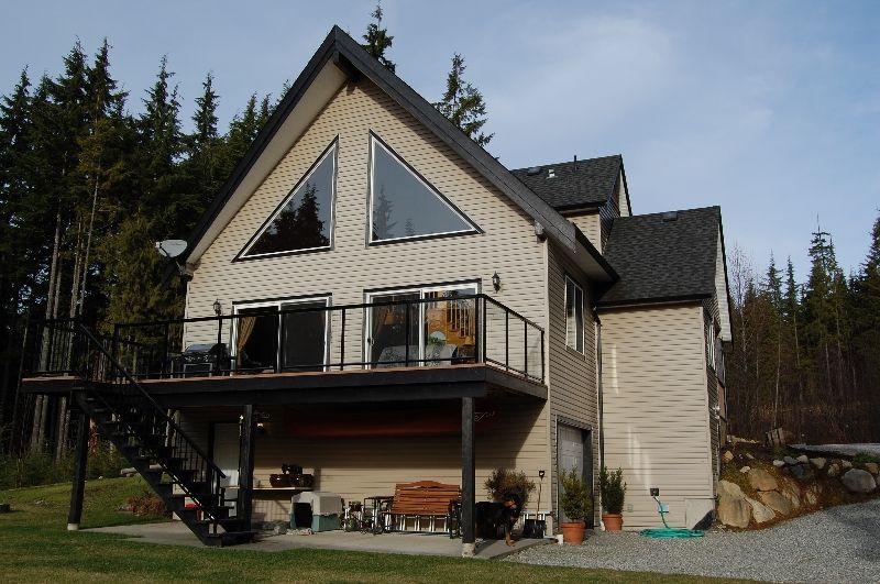 "Main Photo: 12317 CARDINAL Place in Mission: Steelhead House for sale in ""STEELHEAD"" : MLS®# F1000642"