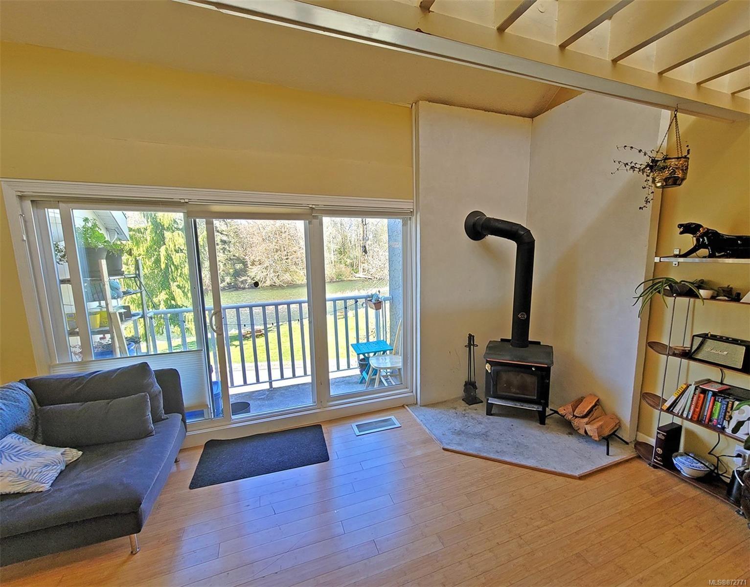 Photo 2: Photos: 305 205 1st St in : CV Courtenay City Condo for sale (Comox Valley)  : MLS®# 872771