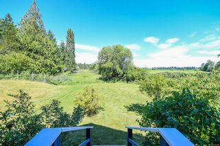 Photo 3: 978 Sand Pines Dr in : CV Comox Peninsula House for sale (Comox Valley)  : MLS®# 879484