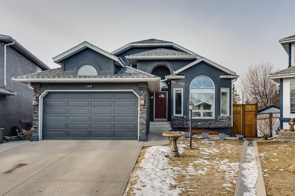 164 Citadel Manor NW - 1562 sqft Bungalow with WALK-OUT Basement