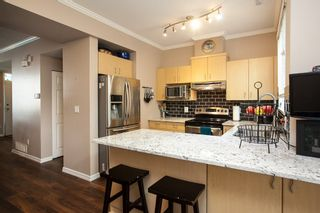 """Photo 8: 61 6465 184A Street in Surrey: Cloverdale BC Townhouse for sale in """"Rosebury Lane"""" (Cloverdale)  : MLS®# R2163634"""