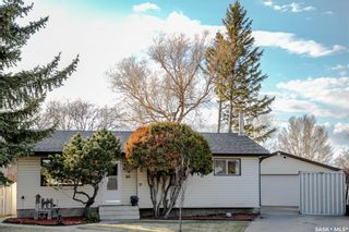 Photo 2: 86 DOMINION Crescent in Saskatoon: Confederation Park Residential for sale : MLS®# SK852190
