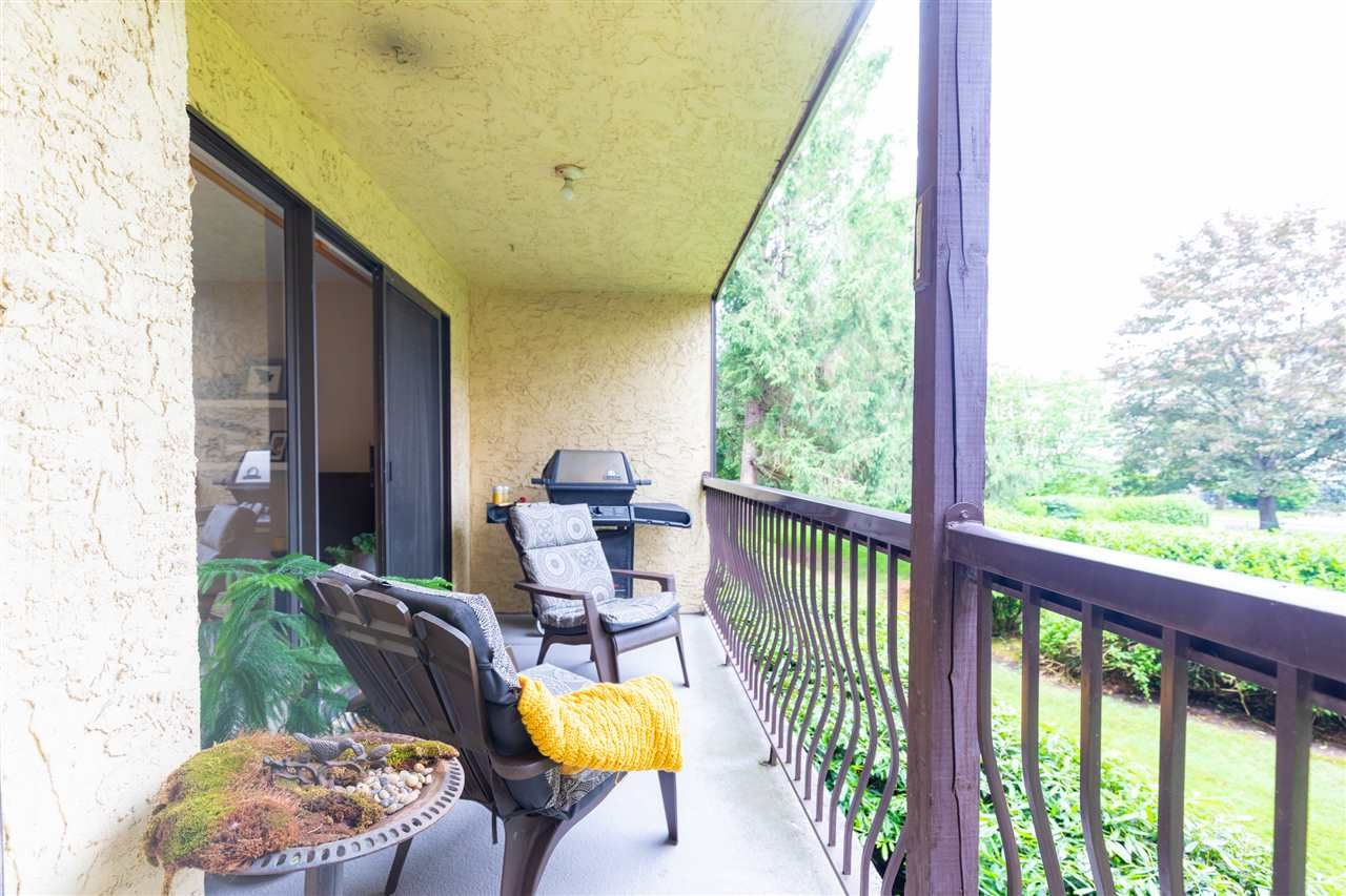 """Photo 7: Photos: 1111 45650 MCINTOSH Drive in Chilliwack: Chilliwack W Young-Well Condo for sale in """"PHOENIXDALE ONE"""" : MLS®# R2469702"""