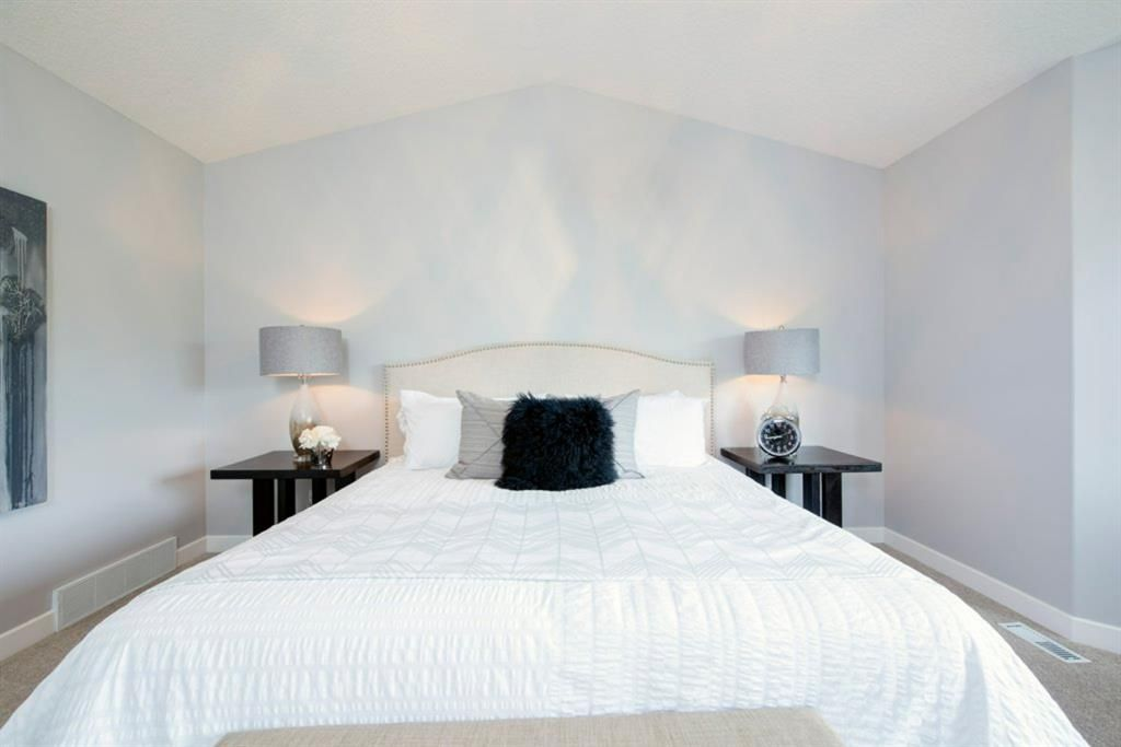 Photo 20: Photos: 32 Prominence Park SW in Calgary: Patterson Row/Townhouse for sale : MLS®# A1112438