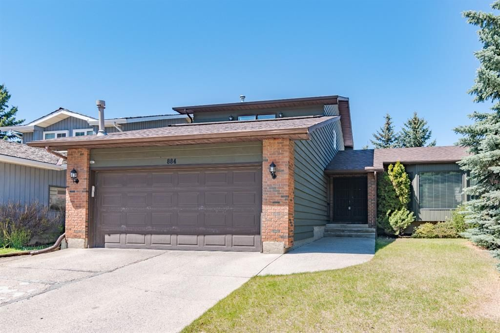 Main Photo: 884 Coach Side Crescent SW in Calgary: Coach Hill Detached for sale : MLS®# A1105957