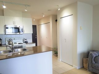 """Photo 5: 1610 938 SMITHE Street in Vancouver: Downtown VW Condo for sale in """"ELECTRIC AVENUE"""" (Vancouver West)  : MLS®# R2440218"""