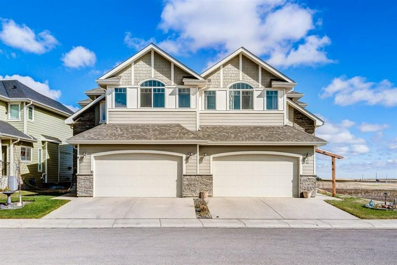 FEATURED LISTING: 8 St. Andrews Close Lyalta