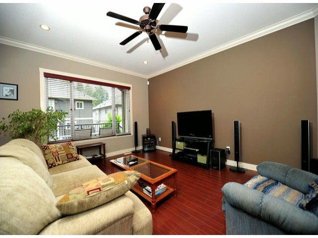 Photo 14: Photos: 8596 FAIRBANKS ST in Mission: Mission BC House for sale : MLS®# F1318181