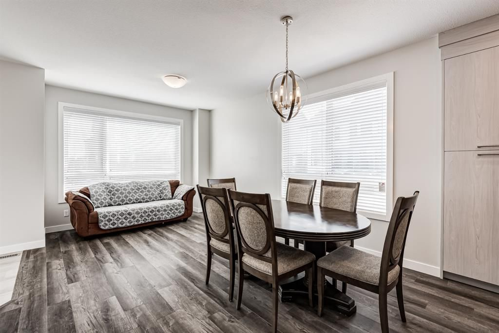 Photo 10: Photos: 125 Redstone Crescent NE in Calgary: Redstone Row/Townhouse for sale : MLS®# A1124721