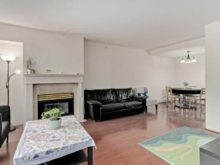 """Photo 5: 2 8297 SABA Road in Richmond: Brighouse Townhouse for sale in """"Rosario Gardens"""" : MLS®# R2486325"""