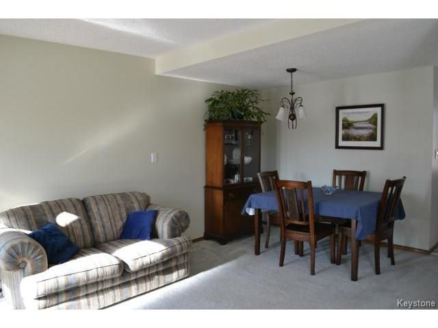 Photo 5: Photos: 10 Carriage House Road in WINNIPEG: St Vital Residential for sale (South East Winnipeg)  : MLS®# 1504404