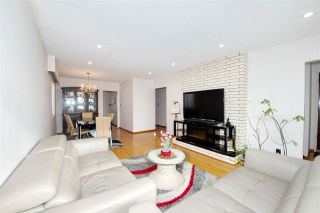 Photo 3: 235 E 62ND Avenue in Vancouver: South Vancouver House for sale (Vancouver East)  : MLS®# R2433374