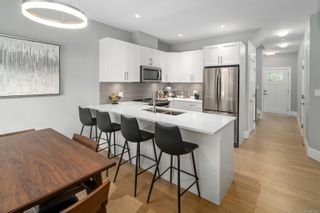 Photo 10: 2 3031 Jackson St in : Vi Hillside Row/Townhouse for sale (Victoria)  : MLS®# 878315