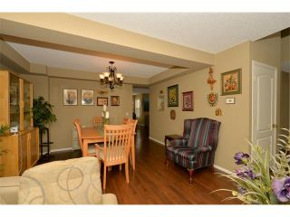 Photo 8: 536 DOUGLAS GLEN PT SE in Calgary: Douglasdale/Glen House for sale : MLS®# C4002246
