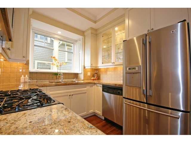 Photo 3: Photos: 3528 W 5TH Avenue in Vancouver: Kitsilano 1/2 Duplex for sale (Vancouver West)  : MLS®# V884619