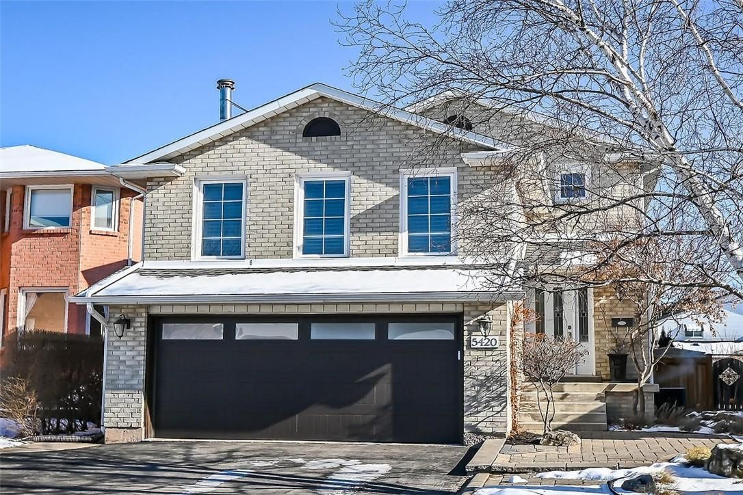 Main Photo: 5420 SHELDON PARK Drive in Burlington: House for sale : MLS®# H4072800