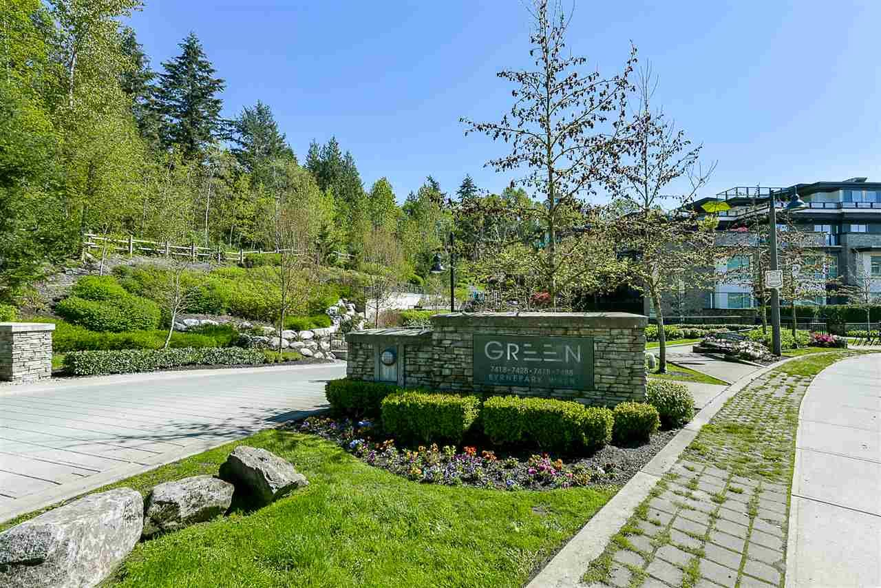 """Main Photo: 403 7428 BYRNEPARK Walk in Burnaby: South Slope Condo for sale in """"Green"""" (Burnaby South)  : MLS®# R2163643"""