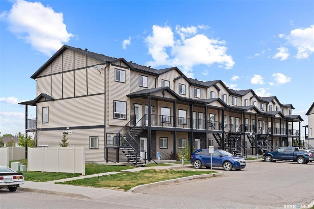 Main Photo: 803 3802 Dewdney Avenue East in Regina: East Pointe Estates Residential for sale : MLS®# SK857070