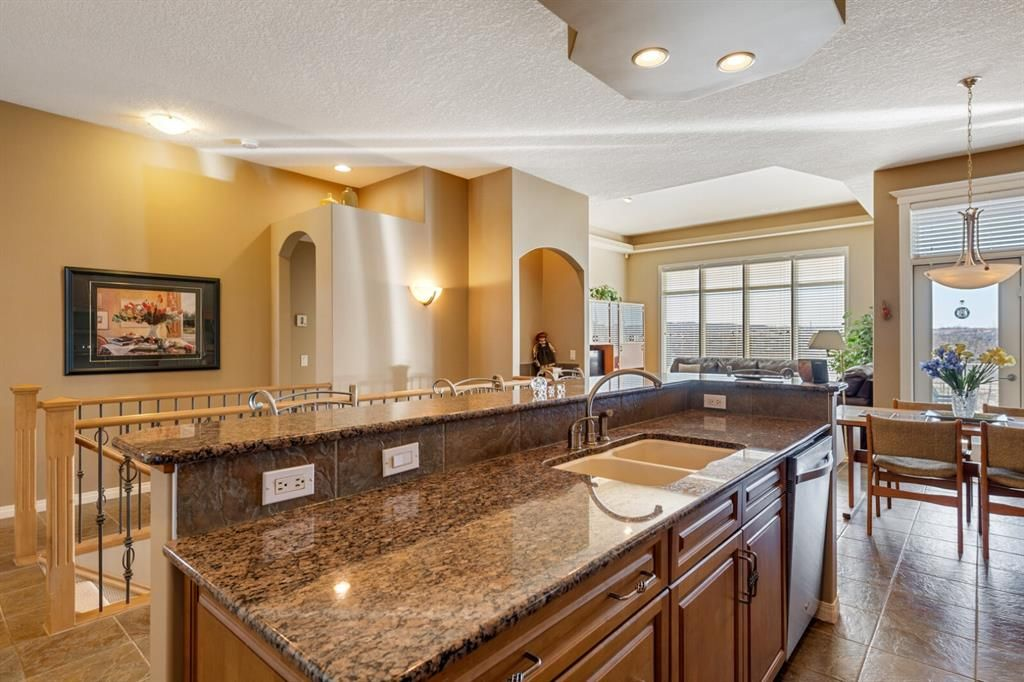 Photo 8: Photos: 3 Tuscany Glen Place NW in Calgary: Tuscany Detached for sale : MLS®# A1091362