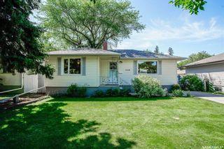 Photo 2: 1120 EWART Avenue in Saskatoon: Holliston Residential for sale : MLS®# SK819662