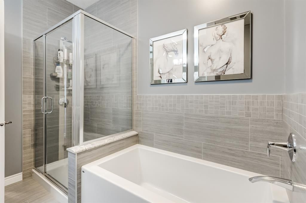 Photo 15: Photos: 312 39 Quarry Gate SE in Calgary: Douglasdale/Glen Apartment for sale : MLS®# A1103022