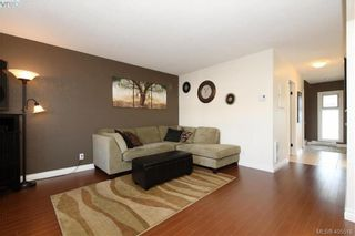 Photo 3: 7 400 Culduthel Rd in VICTORIA: SW Gateway Row/Townhouse for sale (Saanich West)  : MLS®# 805780