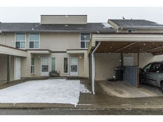 "Photo 1: 143 32550 MACLURE Road in Abbotsford: Abbotsford West Townhouse for sale in ""Clearbrook Village"" : MLS®# R2141277"