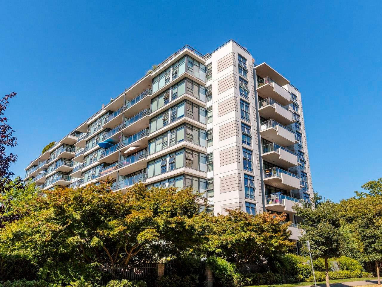 """Main Photo: 415 2851 HEATHER Street in Vancouver: Fairview VW Condo for sale in """"Tapastry"""" (Vancouver West)  : MLS®# R2623362"""