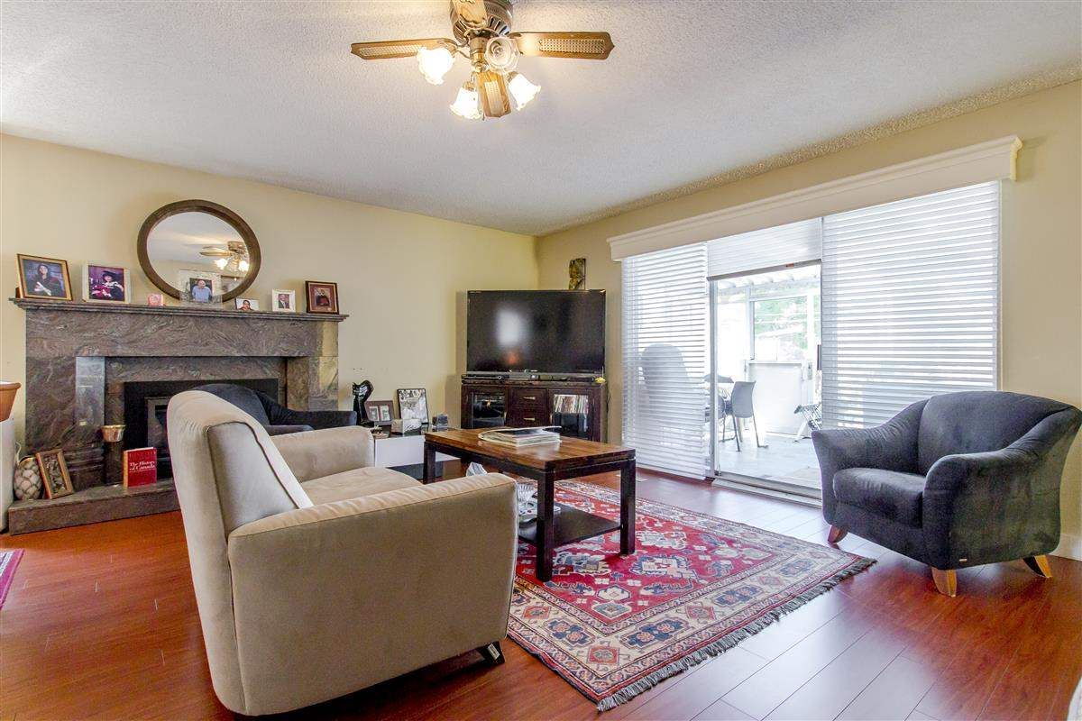 Photo 3: Photos: 5156 ABERDEEN Street in Vancouver: Collingwood VE House for sale (Vancouver East)  : MLS®# R2303162