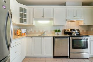"Photo 6: 802 6838 STATION HILL Drive in Burnaby: South Slope Condo for sale in ""BELGRAVIA"" (Burnaby South)  : MLS®# R2196432"