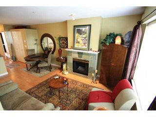"""Photo 4: 43 6577 SOUTHOAKS Crescent in Burnaby: Highgate Townhouse for sale in """"TUDOR GROVE"""" (Burnaby South)  : MLS®# V831621"""
