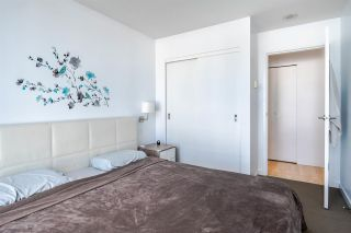 """Photo 10: 1902 111 W GEORGIA Street in Vancouver: Downtown VW Condo for sale in """"Spectrum 1"""" (Vancouver West)  : MLS®# R2467192"""