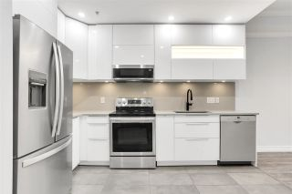 """Photo 2: 210 1500 PENDRELL Street in Vancouver: West End VW Condo for sale in """"PENDRELL MEWS"""" (Vancouver West)  : MLS®# R2580645"""