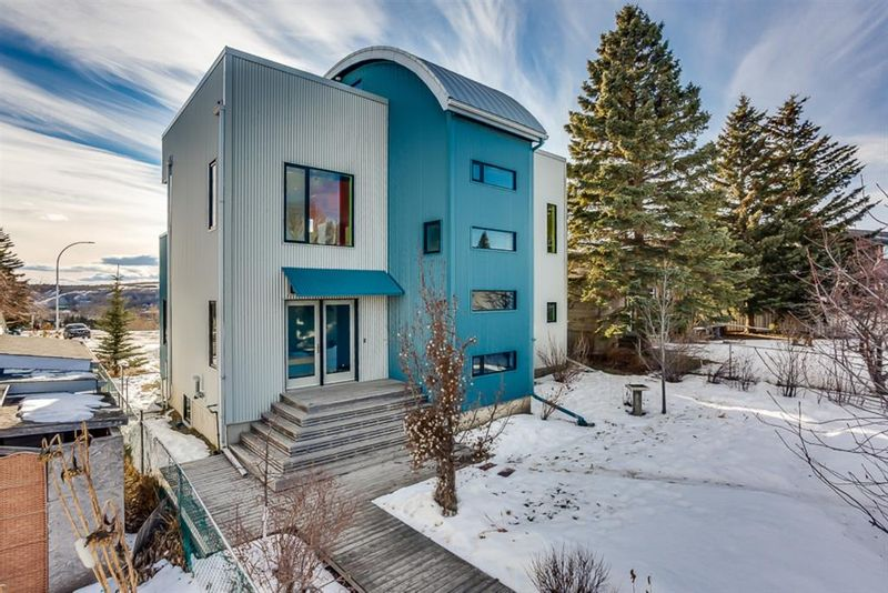 FEATURED LISTING: 4624 Montalban Drive Northwest Calgary