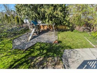 """Photo 33: 18063 60 Avenue in Surrey: Cloverdale BC House for sale in """"Cloverdale"""" (Cloverdale)  : MLS®# R2575955"""