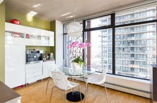 """Photo 6: 2106 128 W CORDOVA Street in Vancouver: Downtown VW Condo for sale in """"WOODWARDS W43"""" (Vancouver West)  : MLS®# R2222089"""