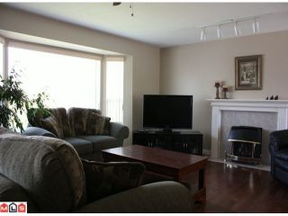 Photo 2: 34914 CASSIAR Avenue in Abbotsford: Abbotsford East House for sale : MLS®# F1013224