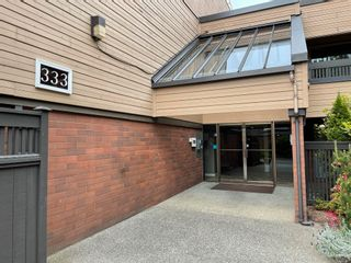 """Photo 2: 409 333 WETHERSFIELD Drive in Vancouver: South Cambie Condo for sale in """"LANGARA COURT"""" (Vancouver West)  : MLS®# R2613843"""
