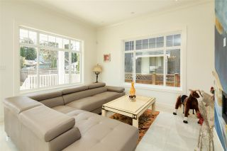 Photo 16: 4340 PINEWOOD Crescent in Burnaby: Garden Village House for sale (Burnaby South)  : MLS®# R2561396