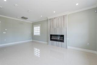 Photo 2: 7130 KITCHENER Street in Burnaby: Sperling-Duthie 1/2 Duplex for sale (Burnaby North)  : MLS®# R2488051