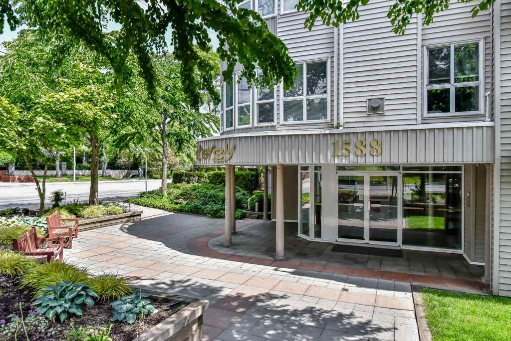 "Main Photo: 316 1588 BEST Street: White Rock Condo for sale in ""The Monterey"" (South Surrey White Rock)  : MLS®# R2277337"
