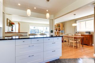 Photo 5: 6308 92B Avenue NW in Edmonton: OTTEWELL House for sale