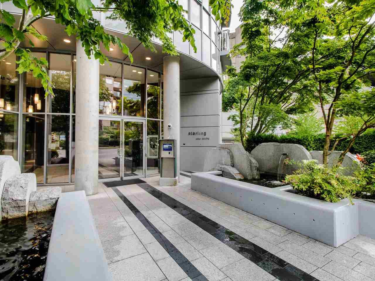 "Main Photo: PH3 1050 SMITHE Street in Vancouver: West End VW Condo for sale in ""STERLING"" (Vancouver West)  : MLS®# R2495075"