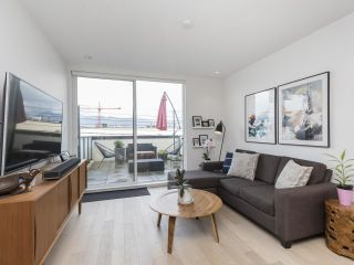 """Photo 14: 312 1647 E PENDER Street in Vancouver: Hastings Townhouse for sale in """"The Oxley"""" (Vancouver East)  : MLS®# R2555021"""