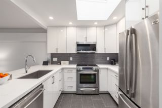 Photo 3: 305 1082 W 8TH AVENUE in Vancouver: Fairview VW Condo for sale (Vancouver West)  : MLS®# R2356802