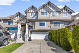 """Photo 3: 42 18181 68 Avenue in Surrey: Cloverdale BC Townhouse for sale in """"Magnolia"""" (Cloverdale)  : MLS®# R2568786"""