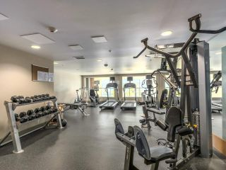 """Photo 19: 375 2080 W BROADWAY in Vancouver: Kitsilano Condo for sale in """"PINNACLE LIVING ON BROADWAY"""" (Vancouver West)  : MLS®# R2211453"""